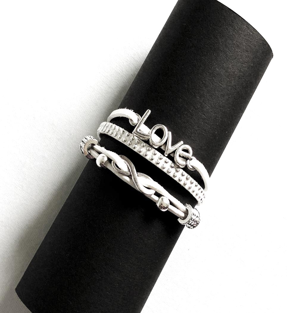 personliga smycken, lädersmycken, fri frakt, dofthalsband, smycken med budskap